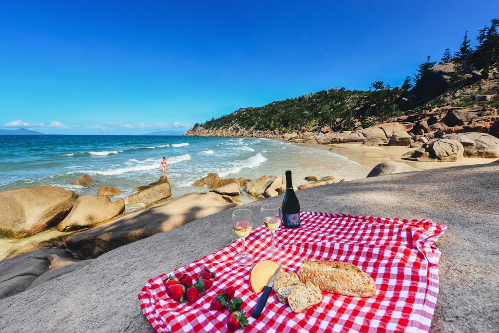picnic at rocky bay