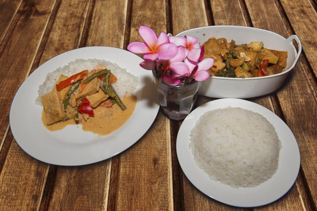 vegetarian meal at tangkoko