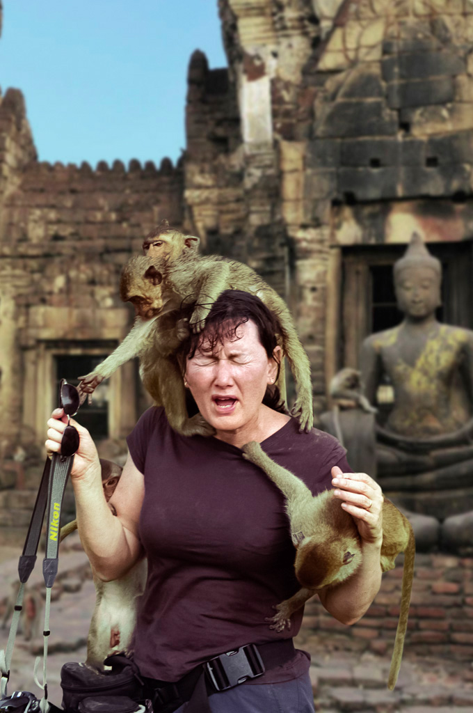 Monkeys and sue in Lopburi