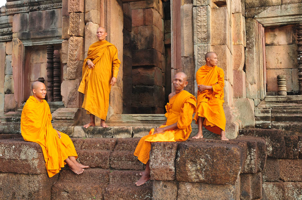 Monks at Muang Tam ruins