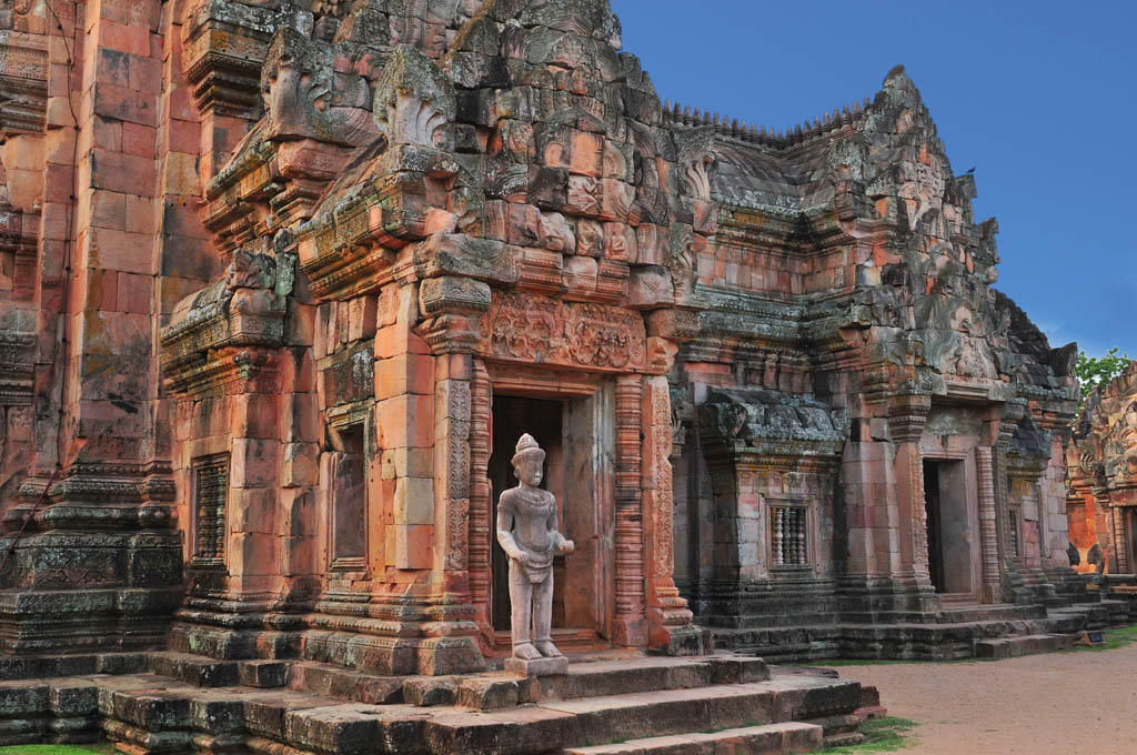 khmer ruins in thailand travel photography