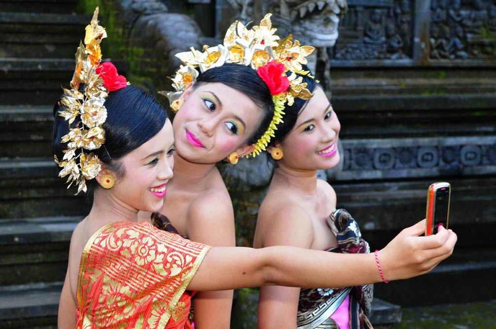 Bali temple festival