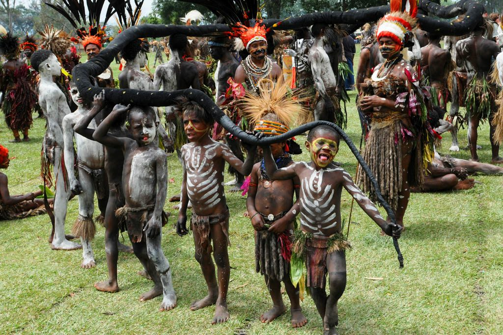 Children at Goroka festival