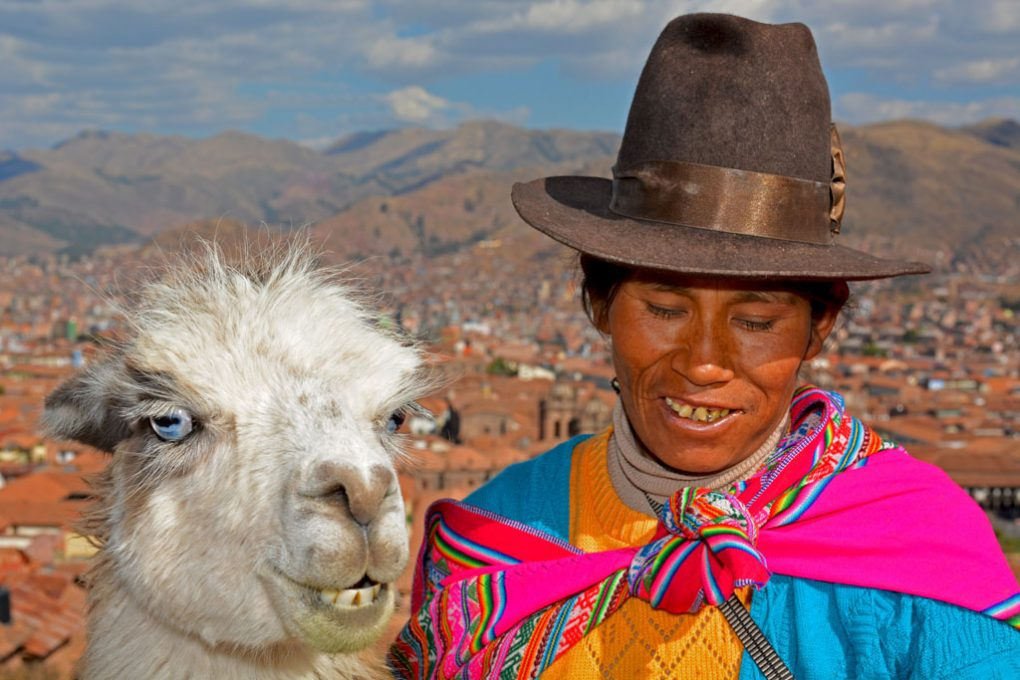 Lady and her llama at the Cusco lookout