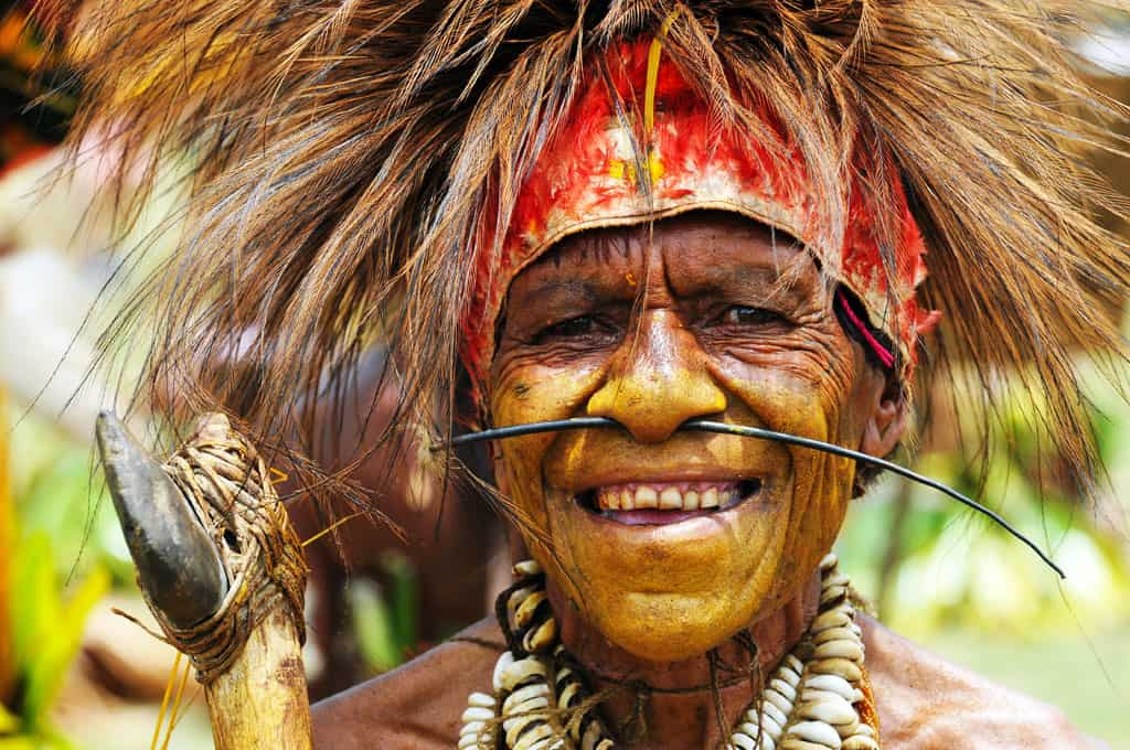 Tribal dancer at Goroka Festival