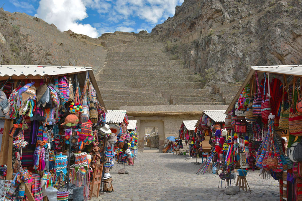 Early morning at the Ollantaytambo ruins and markets
