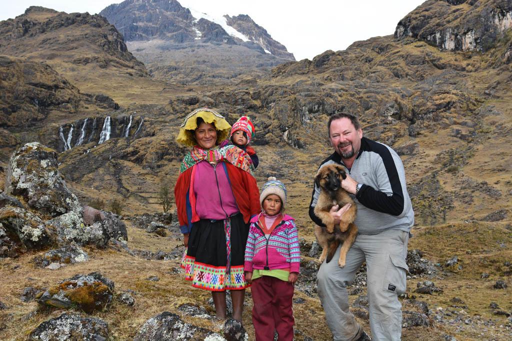 local family on lares trek