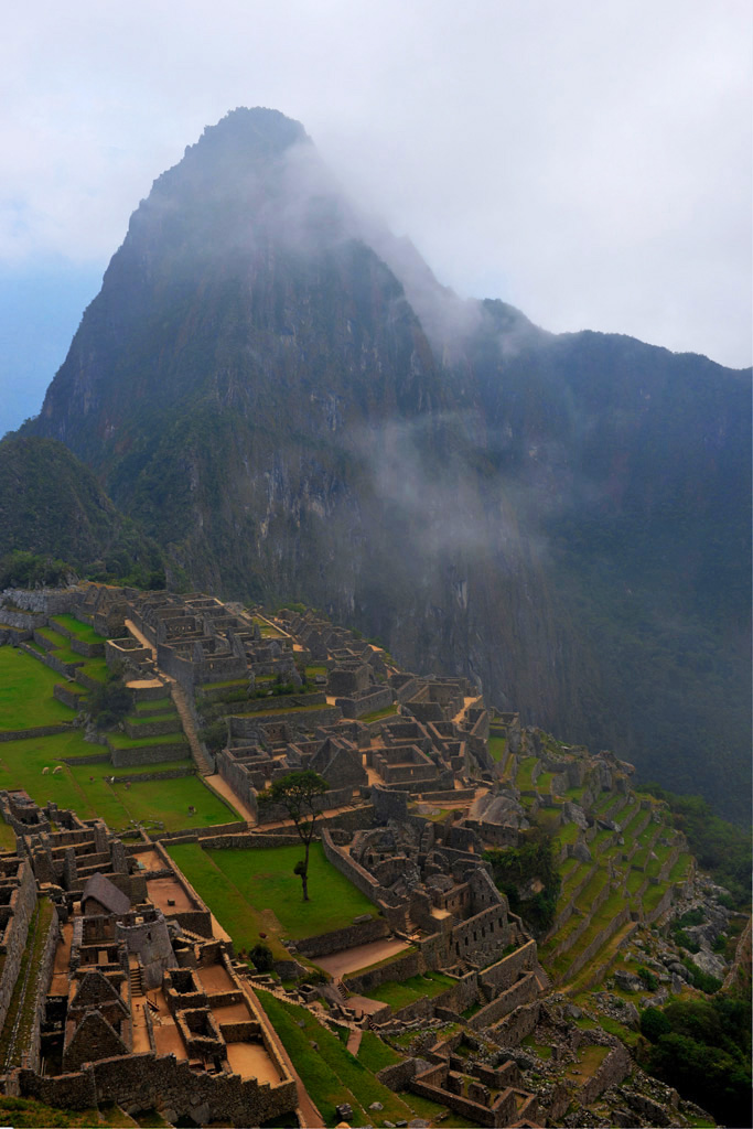 peru travel tips machu picchu view from the guardhouse