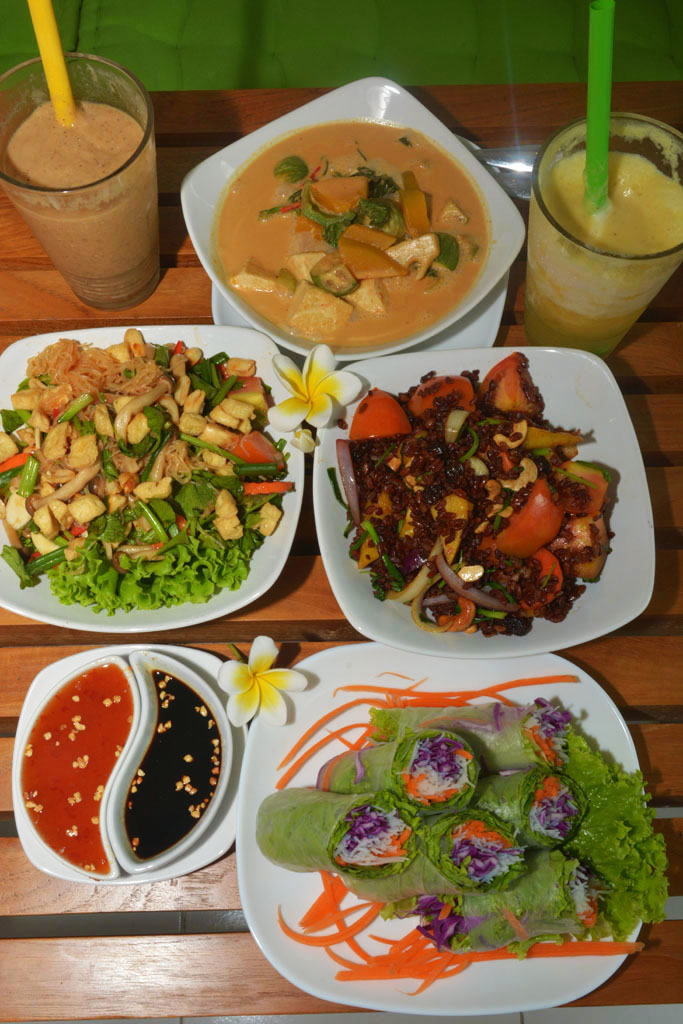 Scrumptious vegetarian meals during our bali stopover