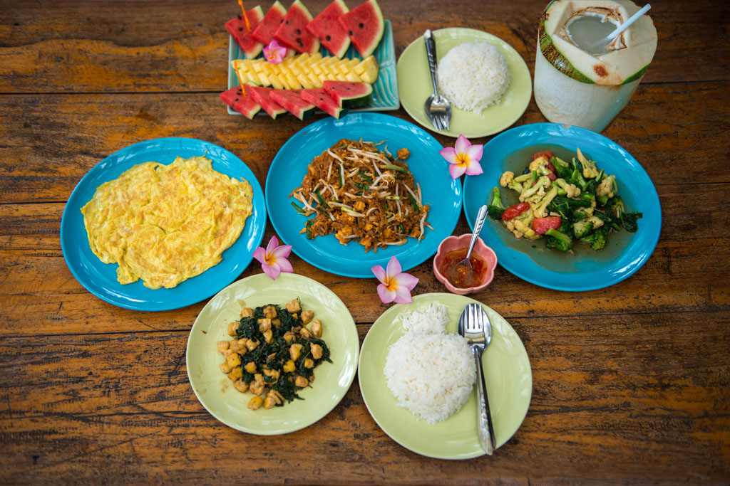 freshly-cooked-vegetarian-thai